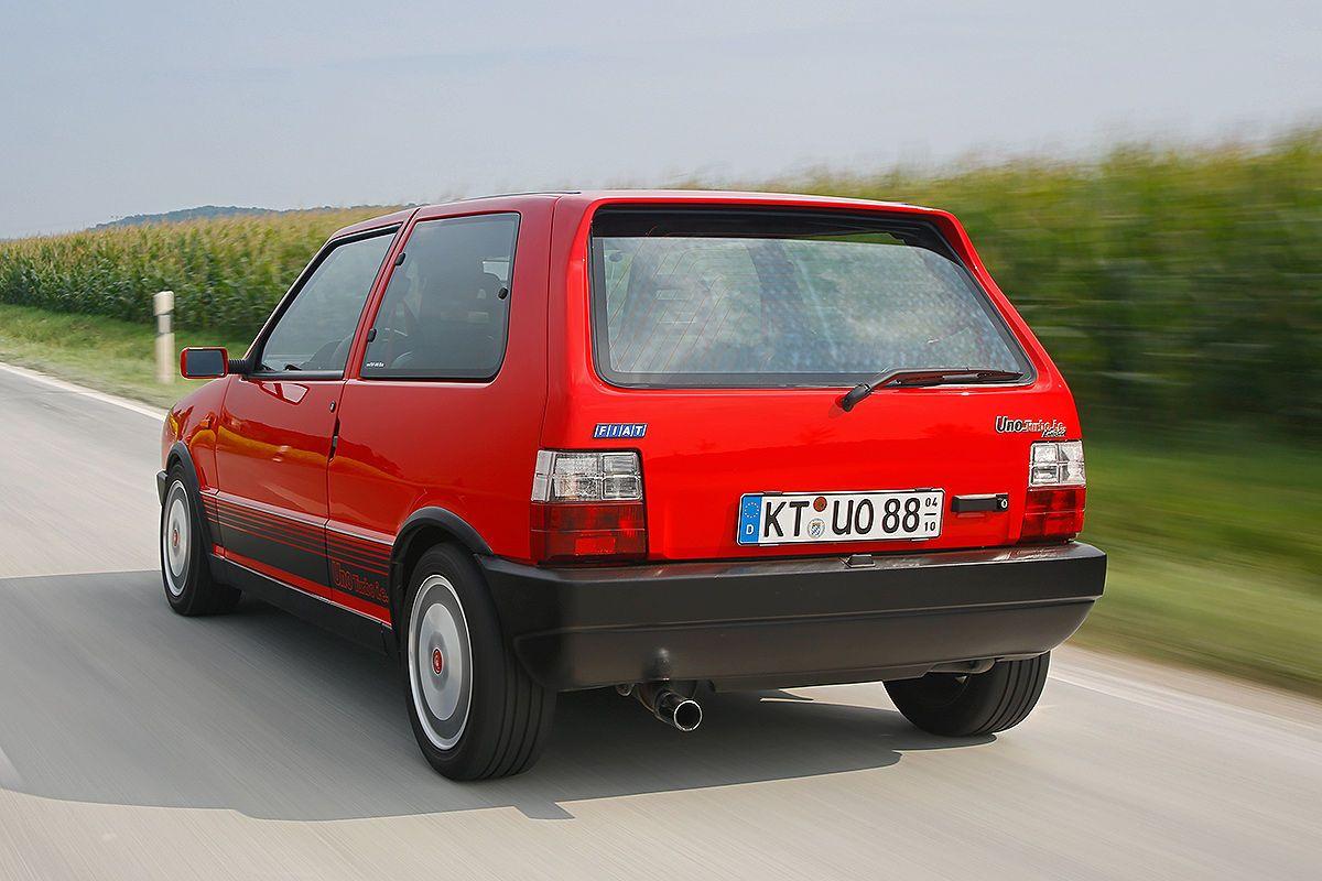 http://i.auto-bild.de/ir_img/1/2/2/8/0/1/6/fiat-uno-turbo-i-e