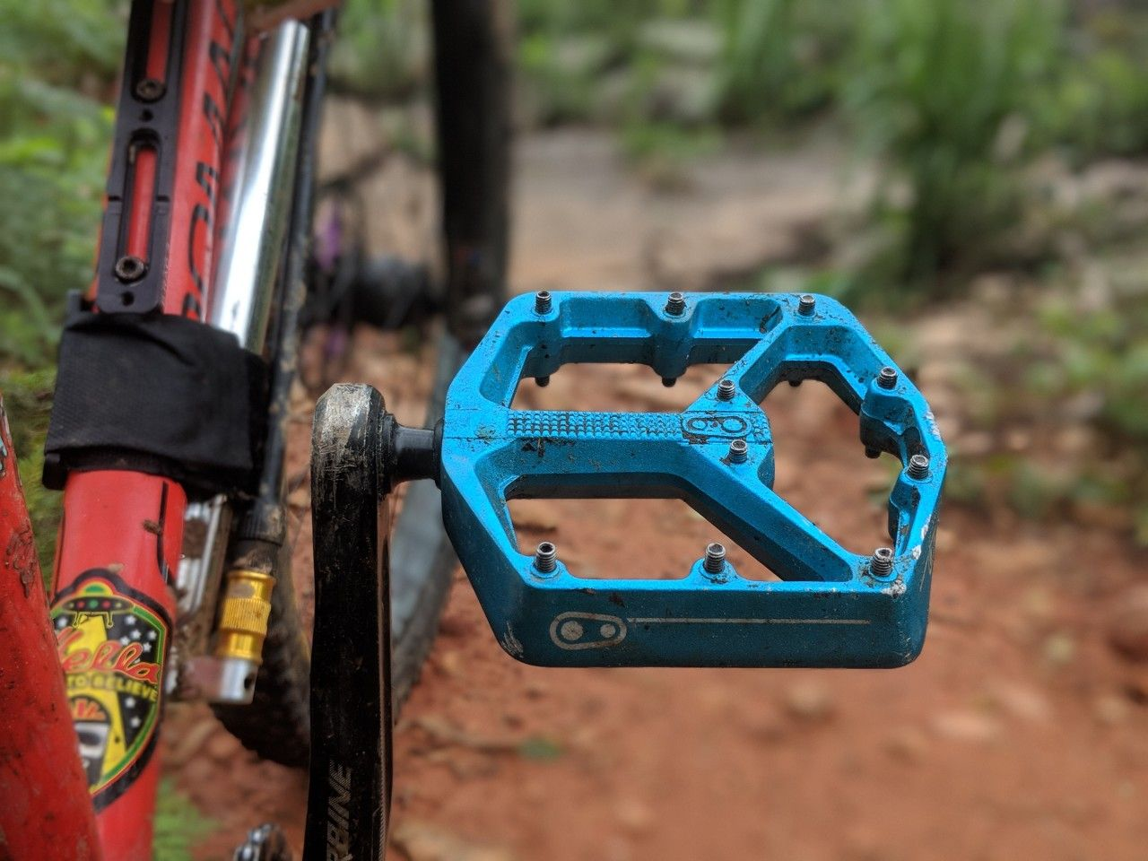 5 Flat Mountain Bike Pedals Tested And Reviewed Mountain Bike Pedals