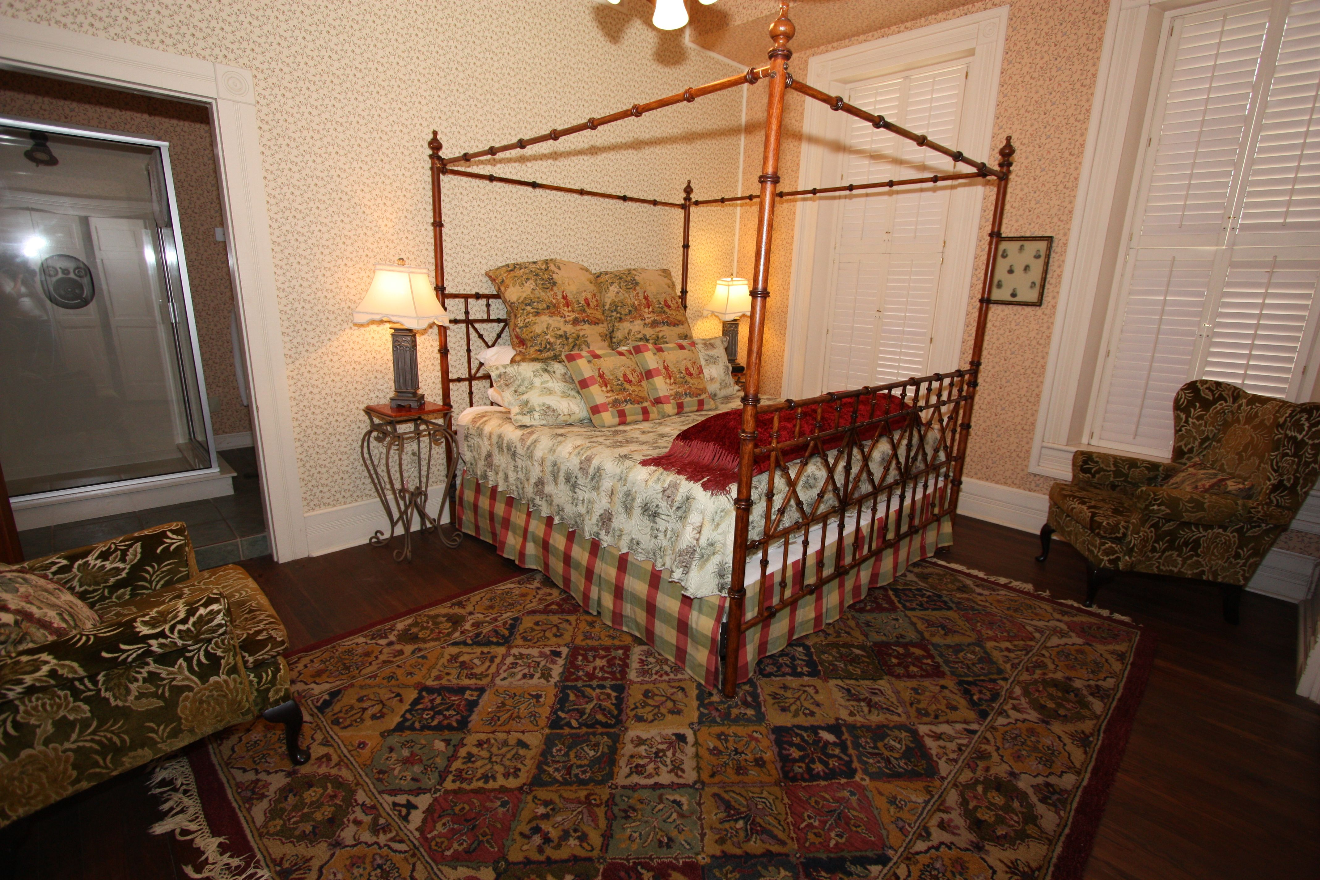 Bed and Breakfast Near Fredericksburg Absolute Charm