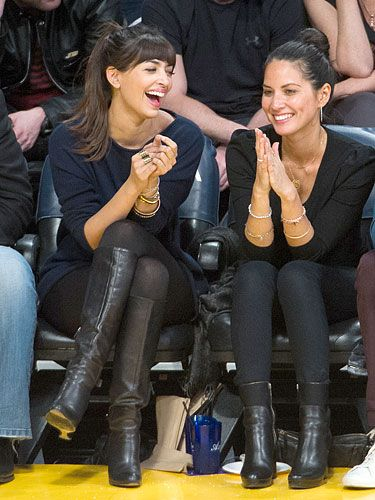 Olivia Munn and Hannah Simone. Really digging their casual but put together  look. Must