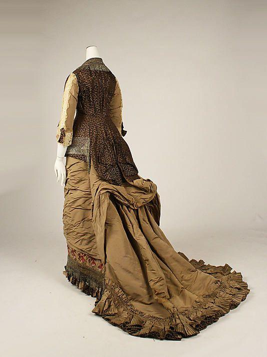 Dress Jacques Doucet  (French, Paris 1853–1929 Paris)   Date: ca. 1880 Culture: French Medium: silk, cotton. Sideway back