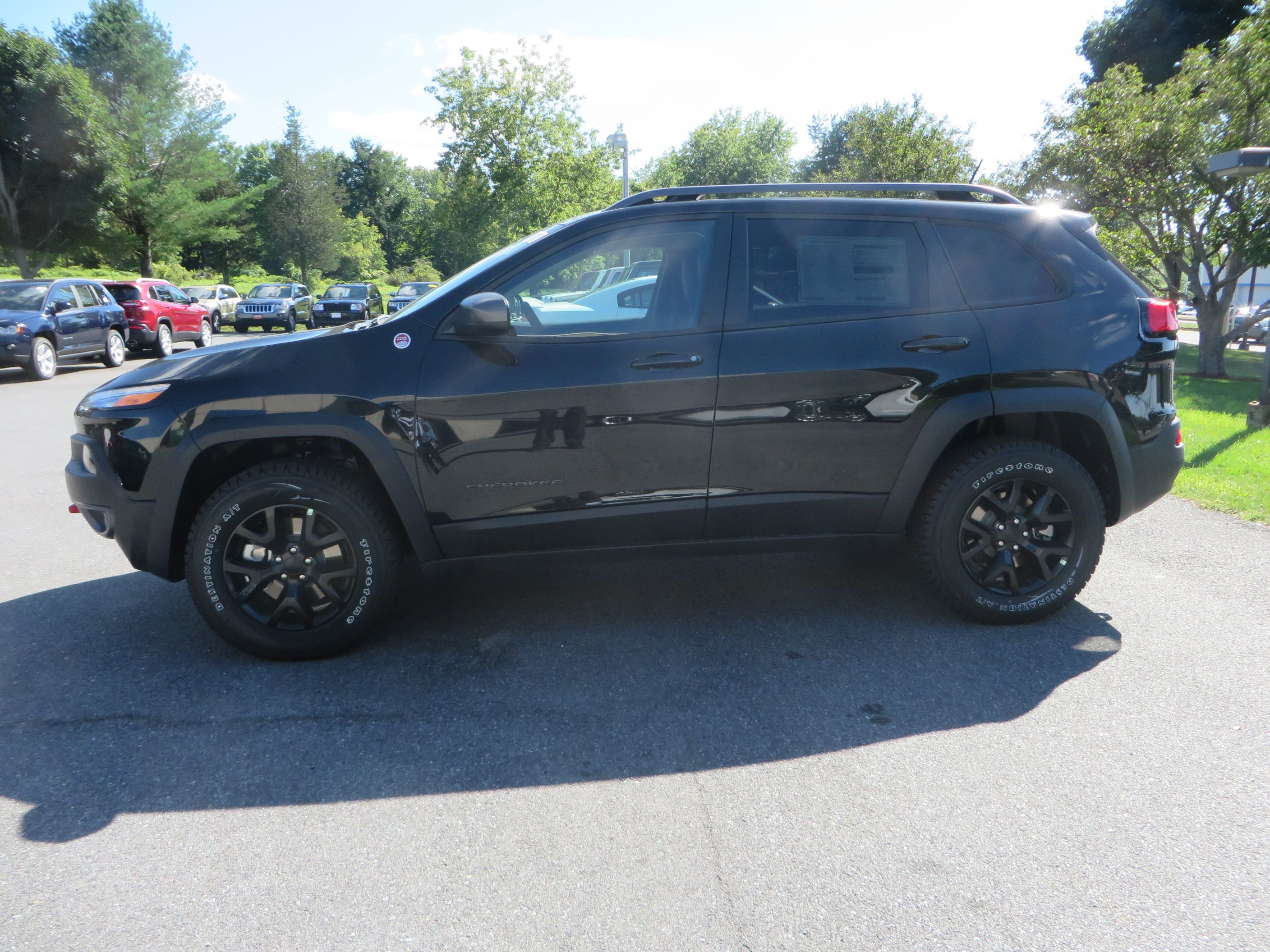 2015 Jeep Cherokee Trailhawk W Black Aluminum Rims