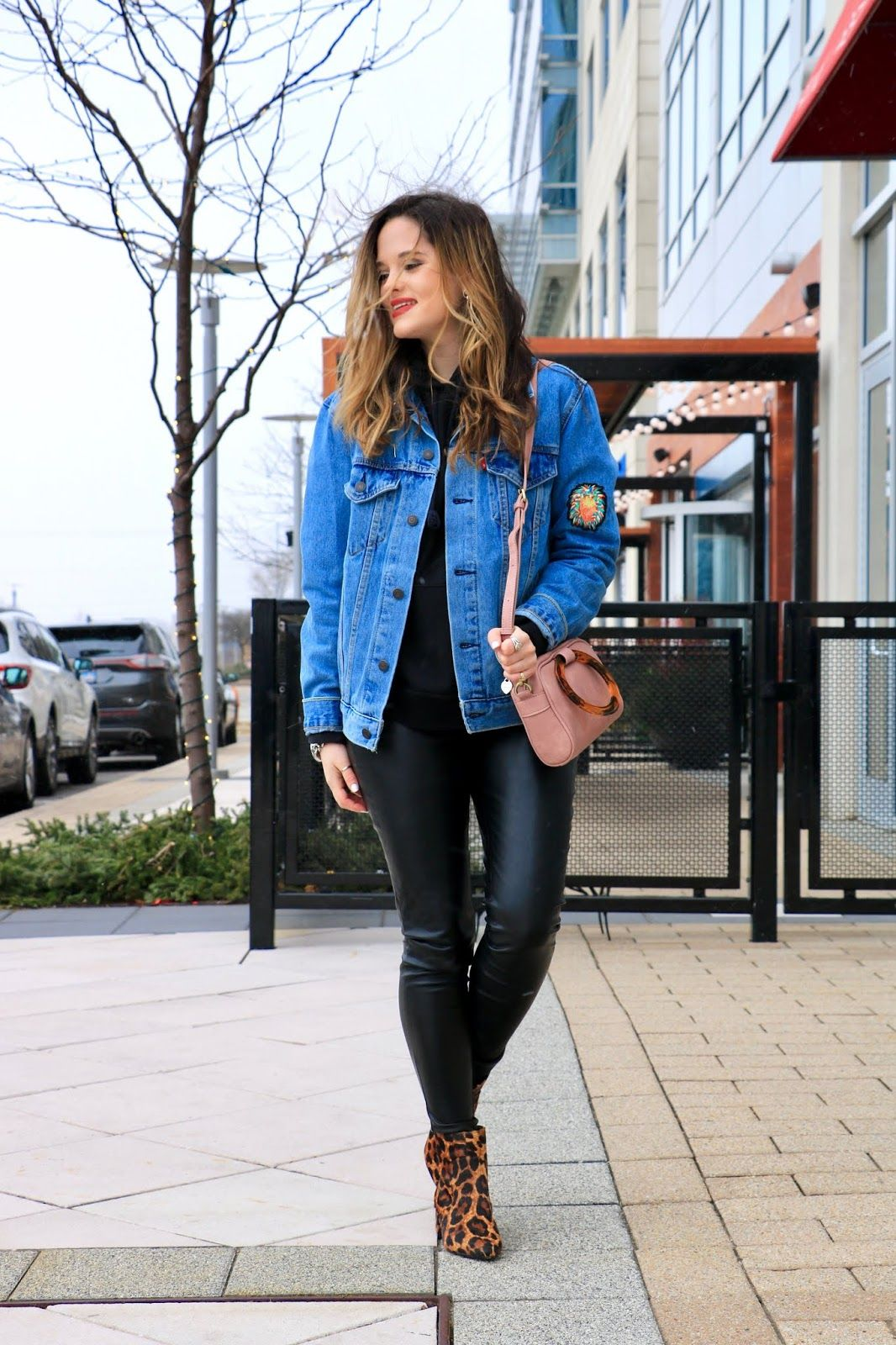f1dd9f5e77 This denim jacket look is so cute for Fall Winter. It even includes a hoodie !