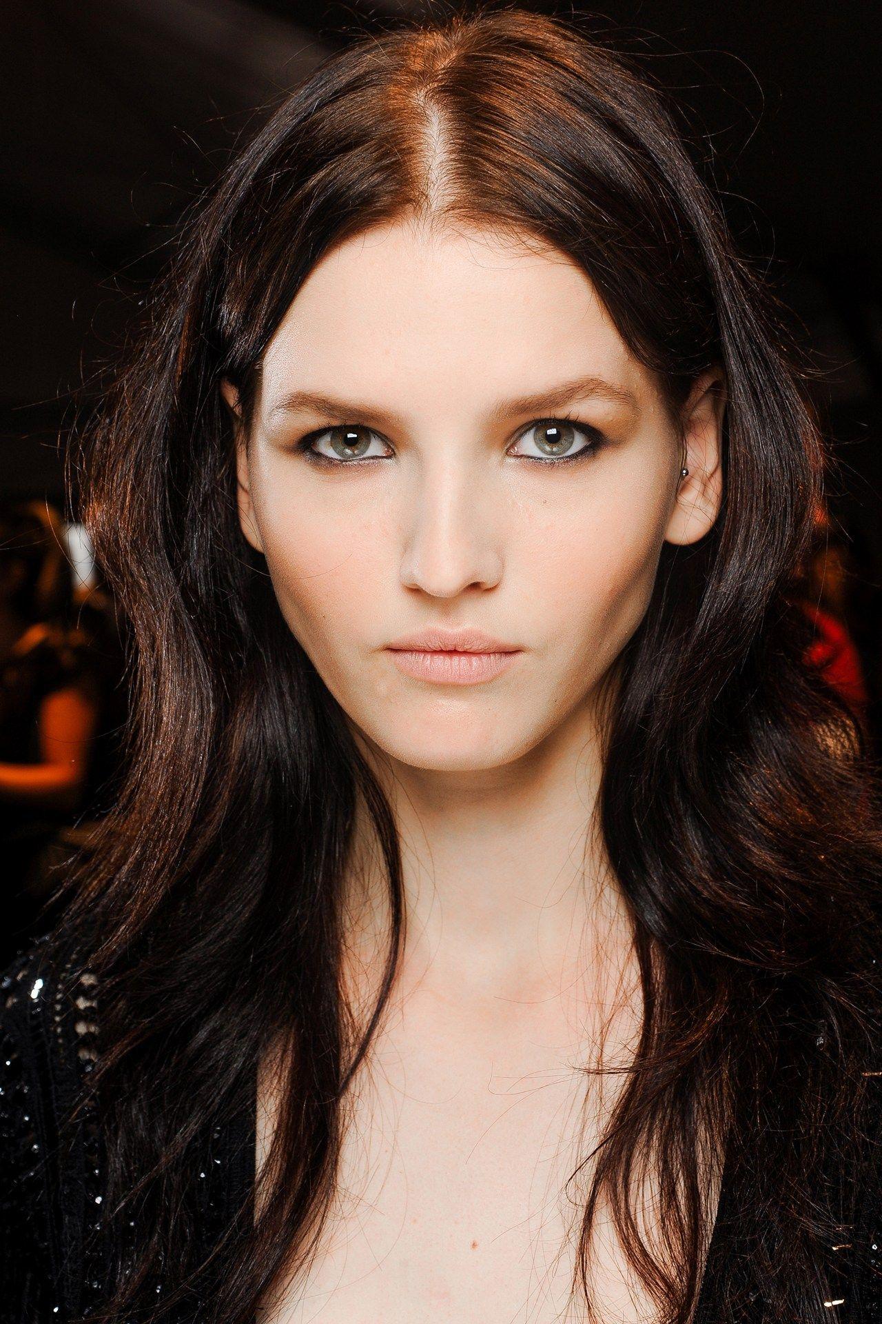 Alyssa Ruland katlin aas - roberto cavalli backstage | beauty beat