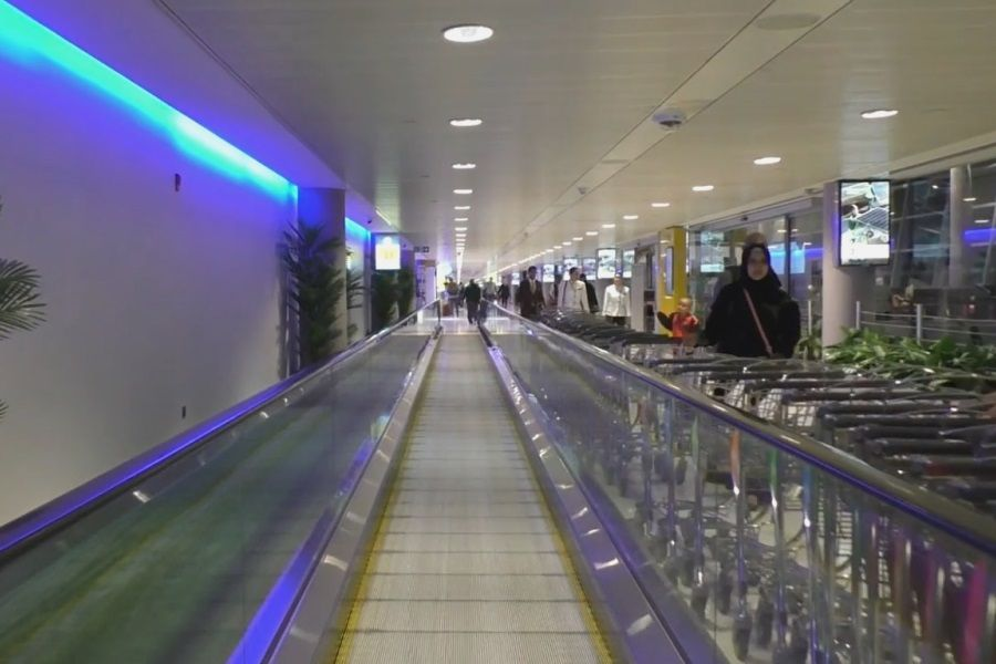 Seriyu Novyh Bibliotek Otkryli V Aeroportu Abu Dabi Turoperator Abu Dabi Biblioteki
