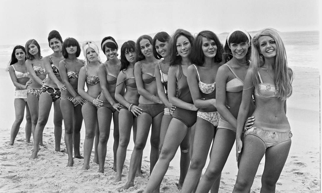 Biquínis começaram a invadir as areias cariocas a partir da década de 60; fotos…