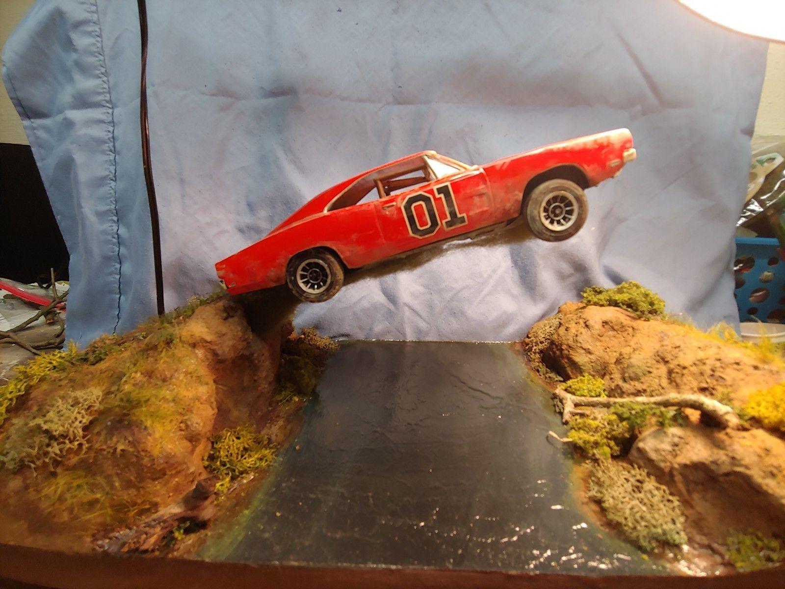 The Dukes Of Hazzard General Lee Diorama River Jump 1 25 Ebay