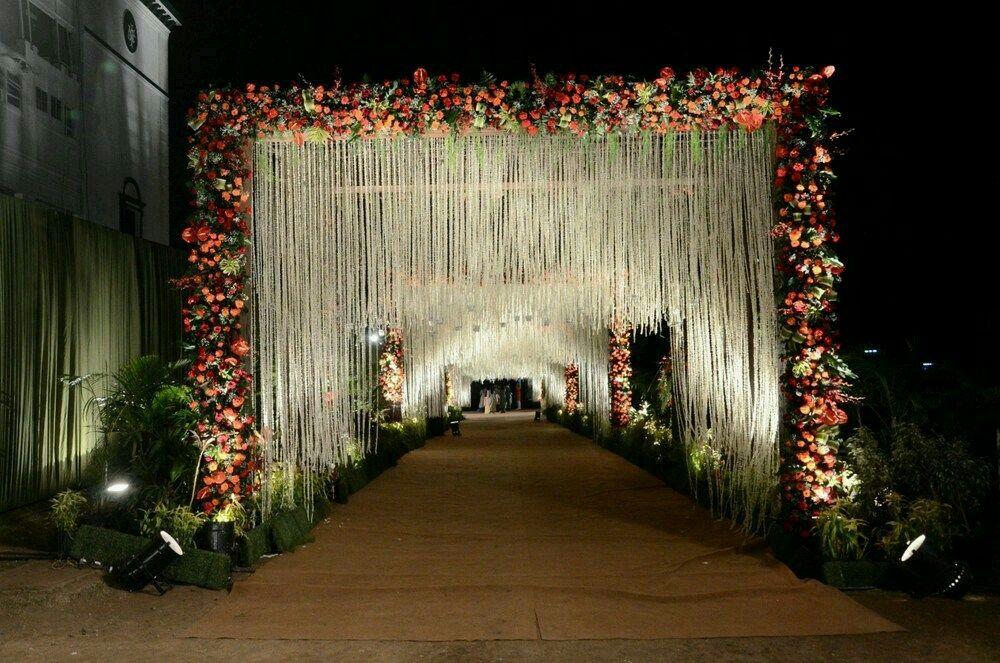 Pin By Shreya Sujanti On Indian Wedding Wedding Entrance Decor Wedding Flower Decorations Wedding Entrance
