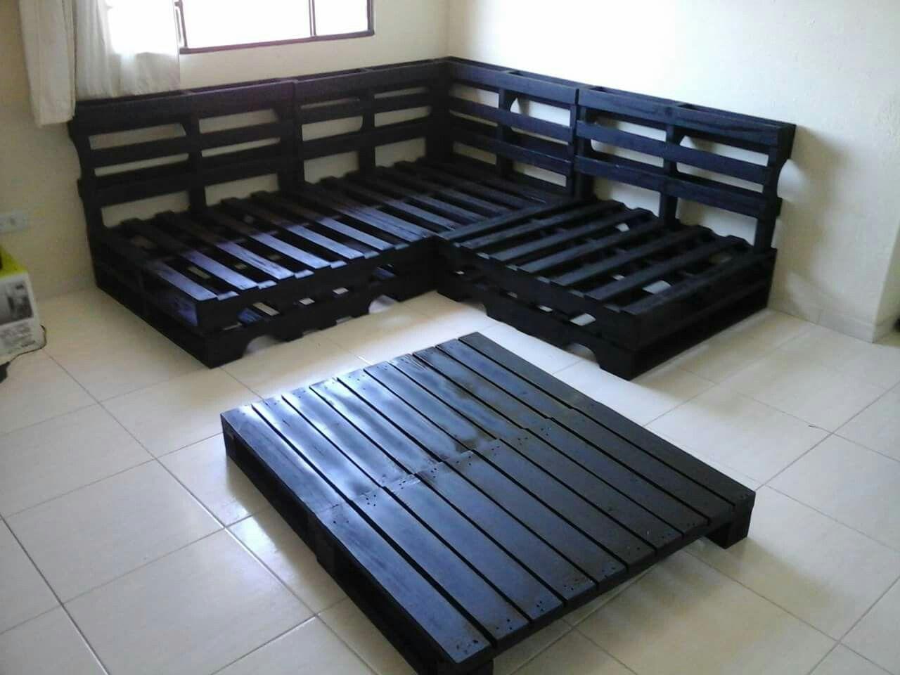 Sof canto pallets preto e mesinha centro 2 minhas pe as - Sofa de pallet ...