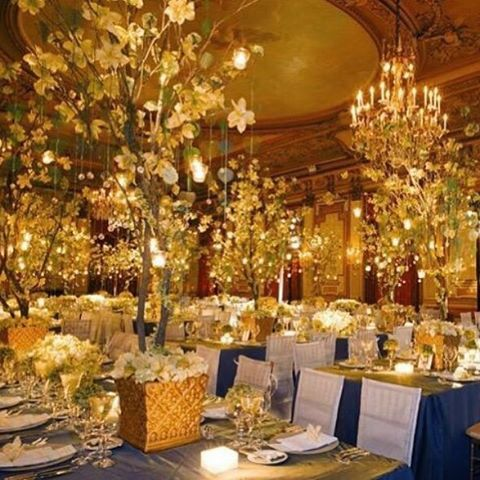 A little #SaturdayNight inspiration. What do you think this design would be best suited for? A #wedding? #Birthday? #Holiday #celebration? #Weddings #BrideToBe #Brides #WeddingIdeas #Tablescapes #Flowers #Blue #Gold #Planning #LuxuryDesigns #PBD #PBDesigns #PrestonBaileyDesigns #Birthday #Inspiration #Candles #Glam #Luxury #Glamorous #Elegant #TeamPrestonBailey #WeddingReception