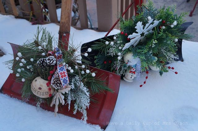 Decorating Snow Shovels Snow Much Fun Xmas Decorations Christmas Bazaar Crafts Shovel Decor