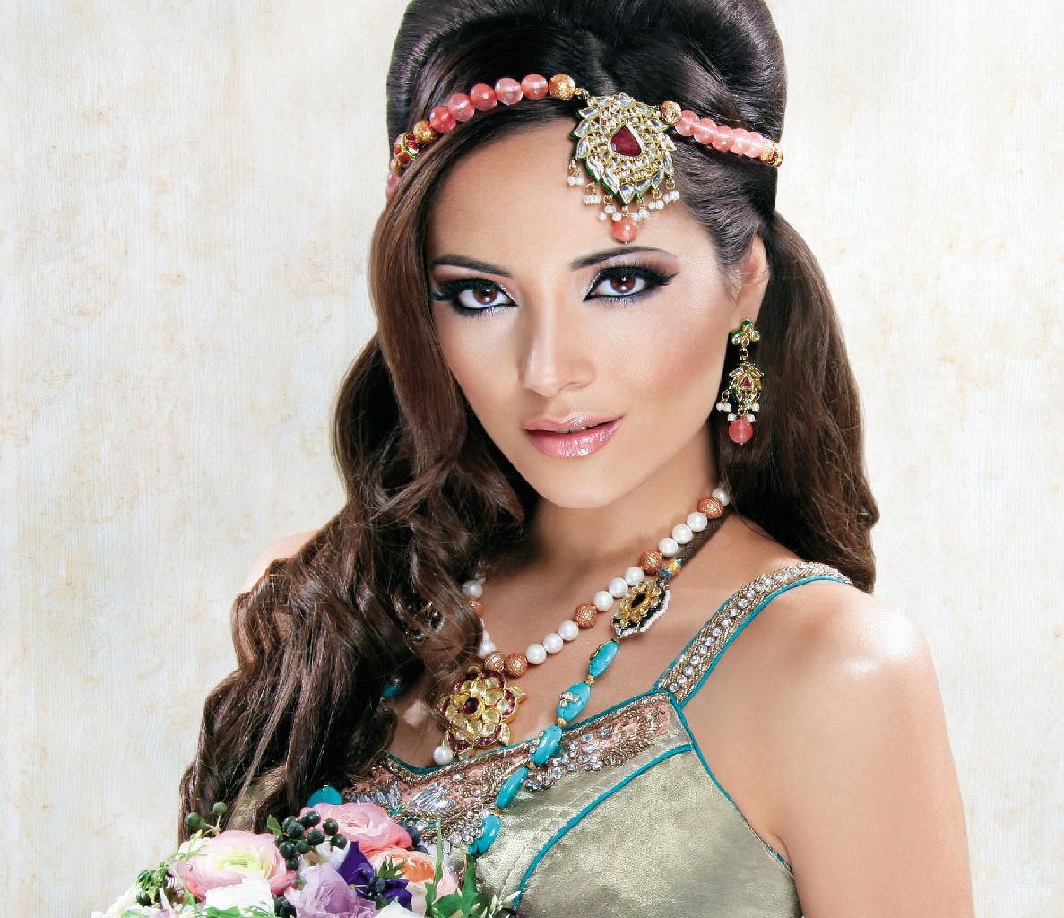indian wedding hairstyle inspiration : simple hairstyle ideas for