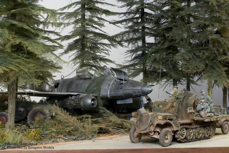 """""""Autobahn Stuttgart-München 1945"""" by Aitor Azkue. 1/32 scale German WW2 jet fighter Messerschmitt Me262 Schwalbe. #diorama #Luftwaffe https://scalaria.wordpress.com/2011/04/19/autobahn-stutgar-munchen-1945-de-aitor-azkue"""