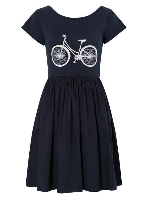 460d06fbe53f This fun printed dress is perfect for lazy summer days. Simply pair with  flat sandals