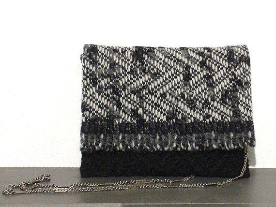 Tracolla piccola  borsetta tessuto  pura lana  di BAGSaraGui