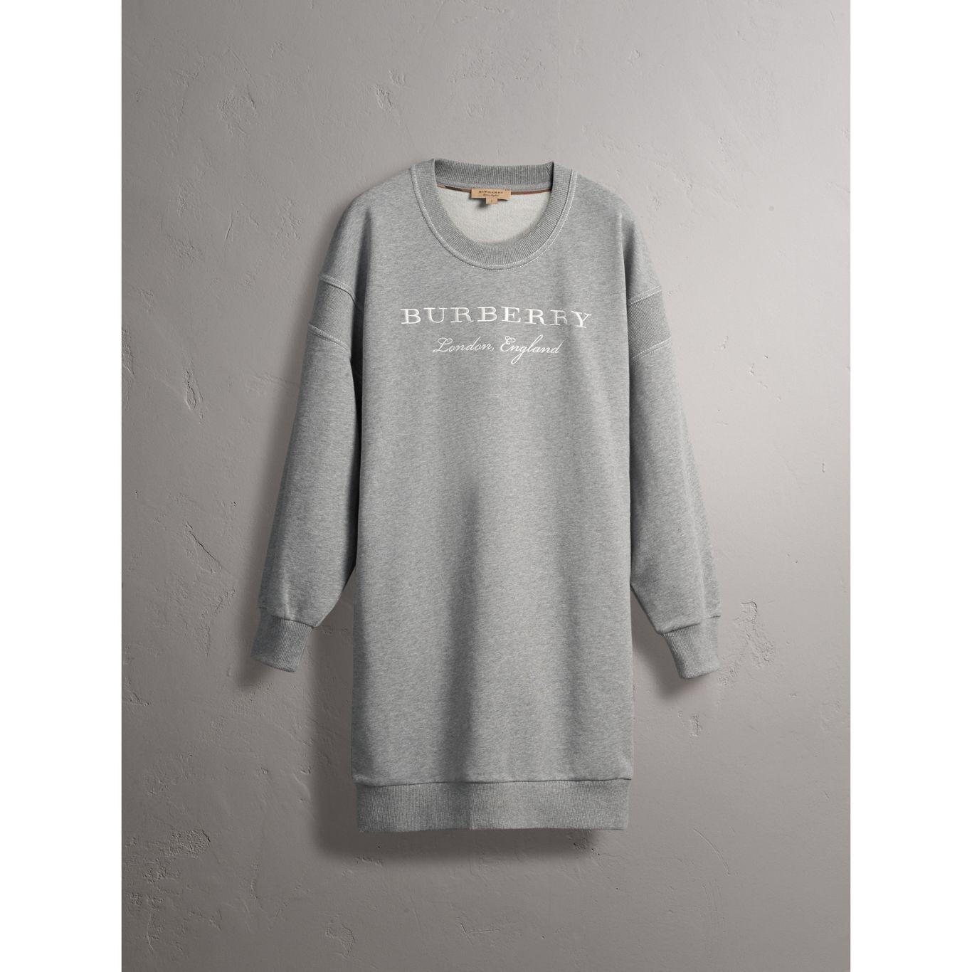 a4c06557914e4 Burberry Robe sweat shirt en jersey de coton avec motif brode