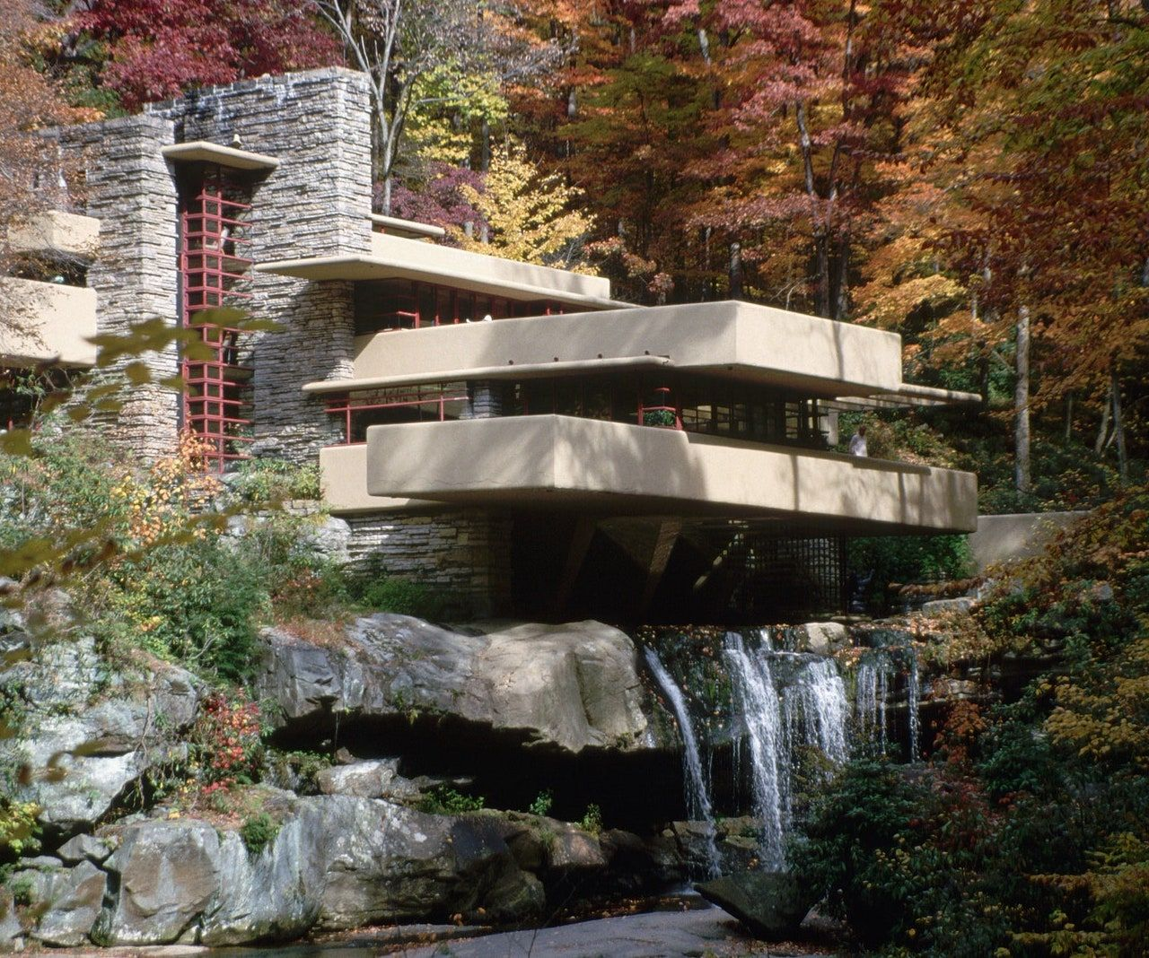 Frank Lloyd Wright's Fallingwater, Mill Run Pennsylvania, USA  We love to travel the world, pick out architectural classics, stay in design inspired hotels and review major exhibitions. Discover inspiring Arts, Culture, Travel, Design and more at www.cellophaneland.com   #cellophaneland #archilovers #arquitetura #architecturelovers  #architecturephotography  #architectureporn #modernarchitecture  #architecturedesign  #midcenturyarchitecture #modernism #midcenturymodern #moderndesign