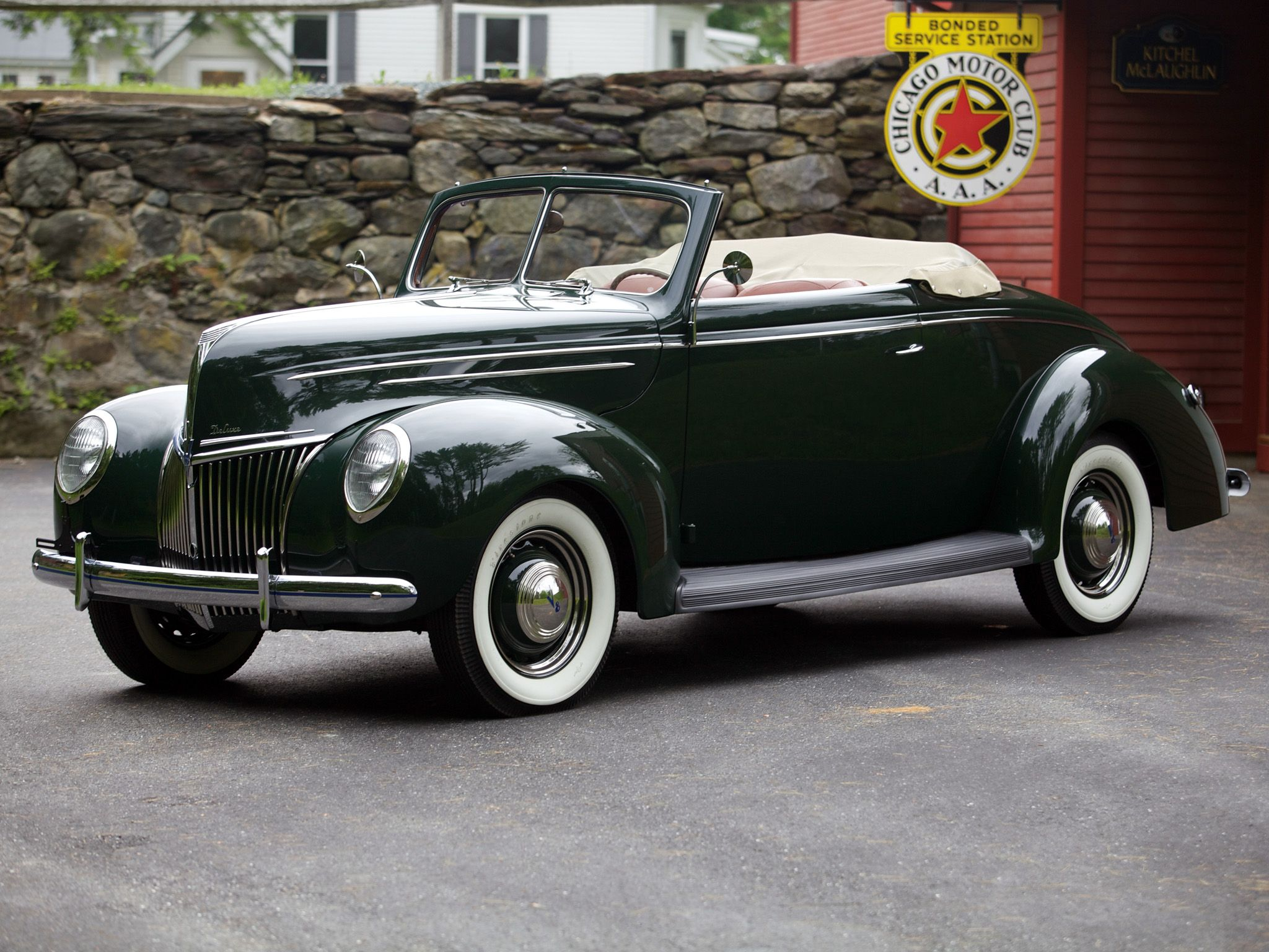 1939 Ford V8 Deluxe Convertible Coupe Retro V 8 H Wallpaper 2048x1536 115538 Wallpaperup Ford Classic Cars Old Classic Cars Ford V8