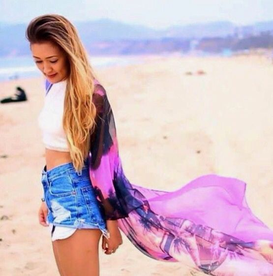 LaurDIY at the beach