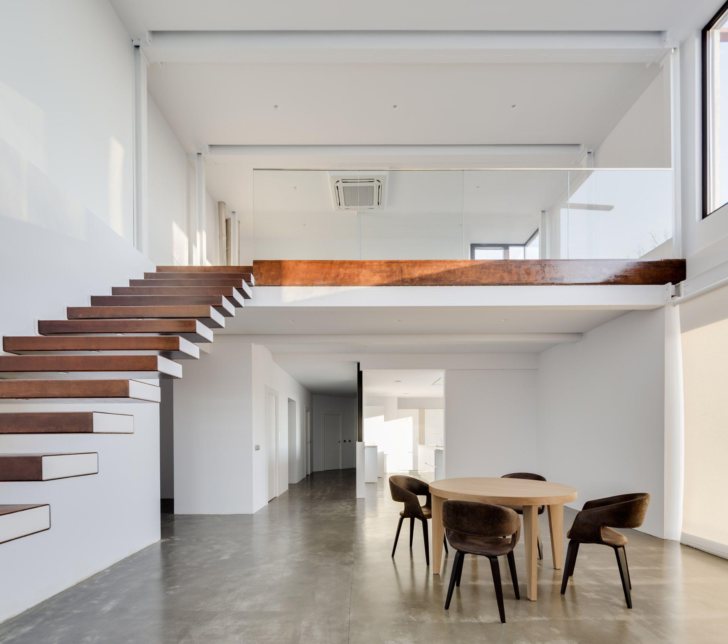 Casa VMS by Marcos Miguelez | Batcave | House design, Loft