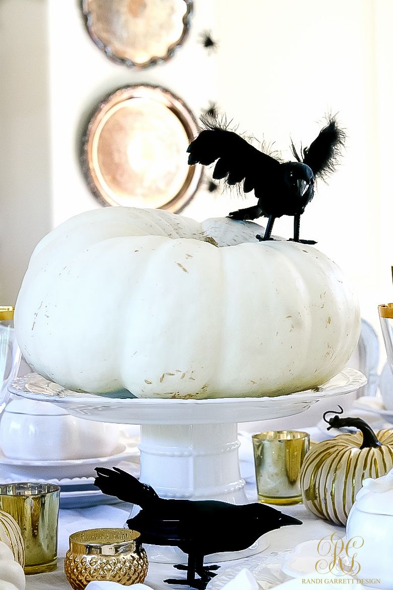 5 Days of Halloween Tour - Day 3 Elegant White Halloween Tablescape - Elegant Halloween Decor