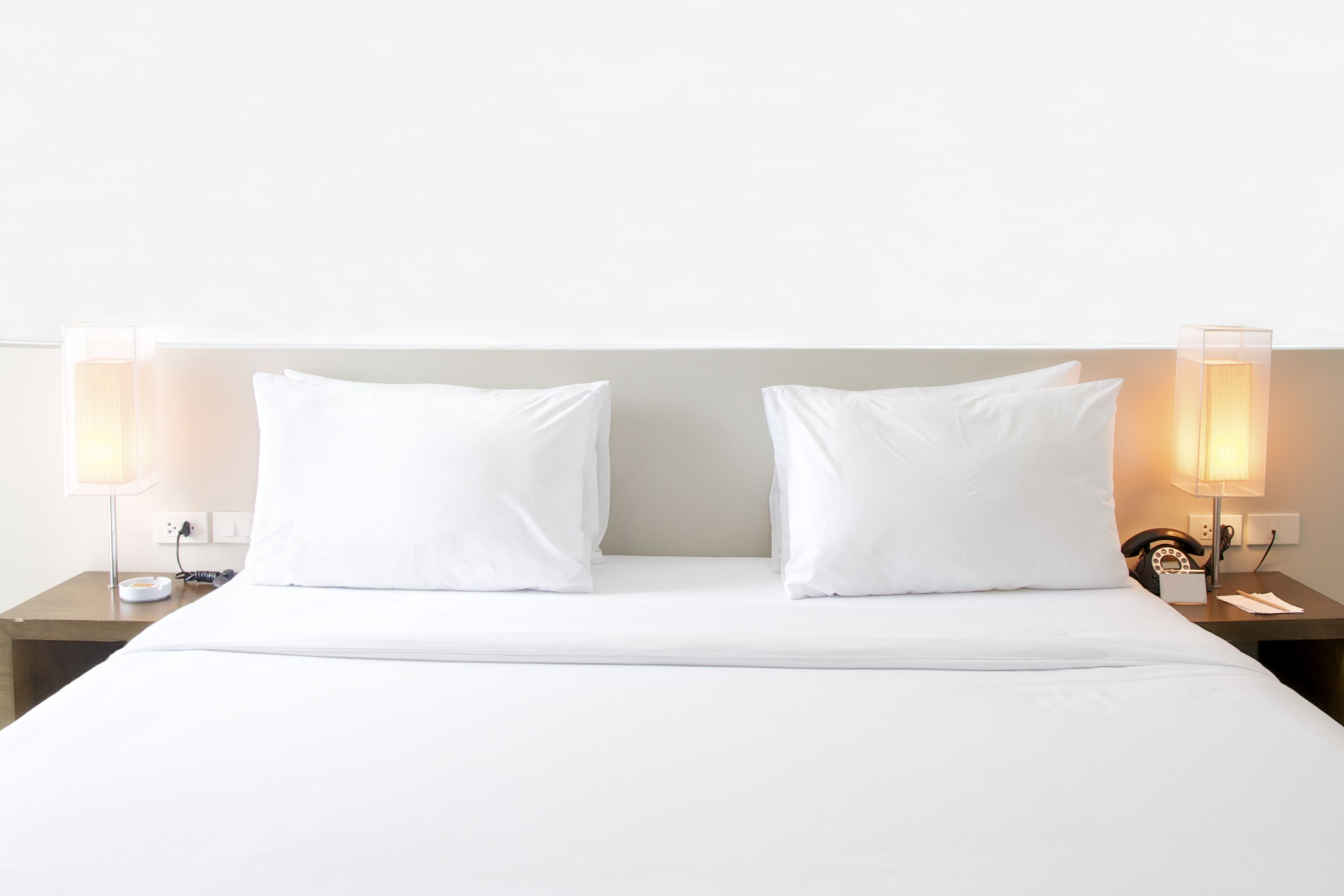 The Tell Tale Signs Your Hotel Bed S Infested With Bed Bugs