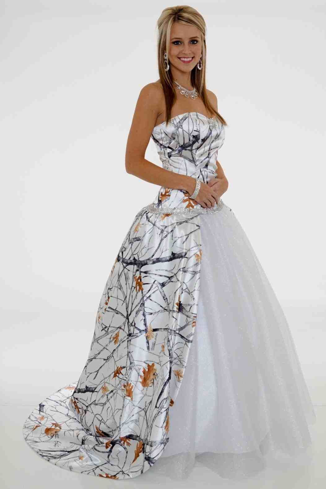Realtree wedding dresses  snow white camo wedding dress  Weddings  Pinterest  Camo wedding