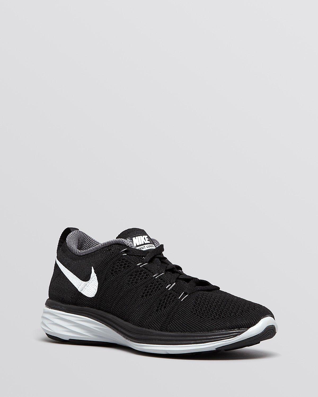Nike Flyknit Corredor Blanco Negro Uke Voltios