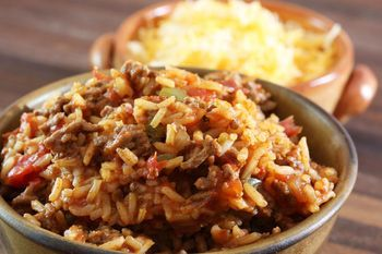 This Crock Pot Spanish Rice Is A Budget Friendly Dinner Solution Recipe Spanish Rice Ground Beef Beef Recipes
