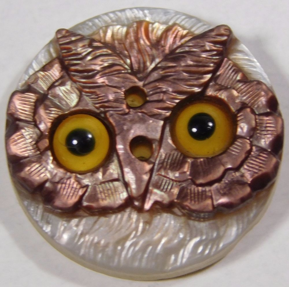 ATQ VICTORIAN GLASS BIG EYES CARVED MOTHER PEARL OWL
