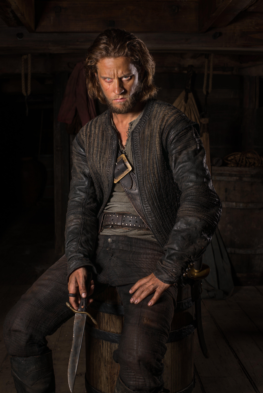 Black sails s3 pirate captain flint leather coat - Black Sails Edward Low