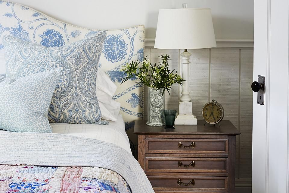 Love the lamp and the headboard. Actually, I love it all