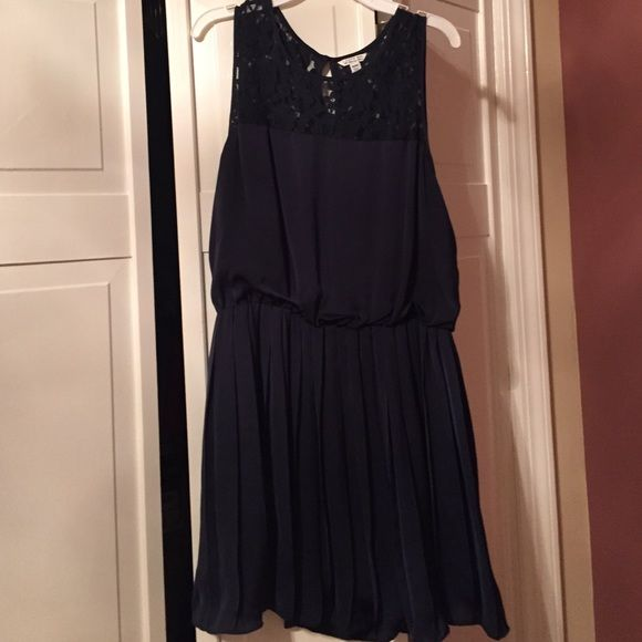 Navy Lace Neck Sleeveless Dress Only worn twice, great condition. Simple, elegant and comfortable! Forever 21 Dresses
