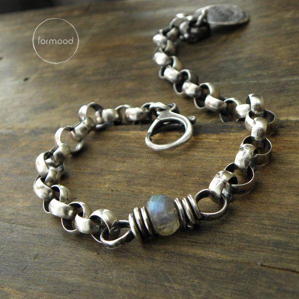 Sterling silver and labradorite - bracelet by studioformood on Etsy https://www.etsy.com/listing/251903374/sterling-silver-and-labradorite-bracelet