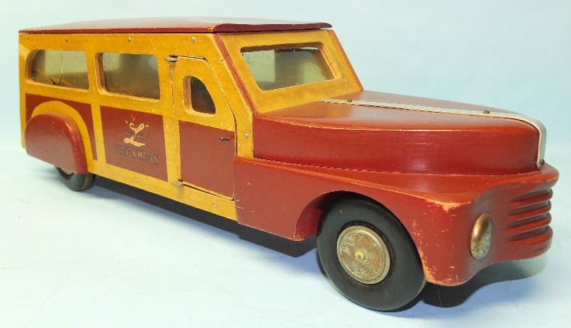 ANTIQUE 1940s BUDDY L WOODIE STATION WAGON WOODEN TOY CAR