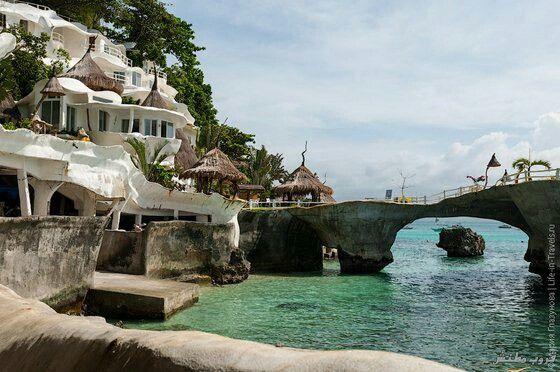 جزيرة الاحلام بوراكاي بوراكاي اجمل جزر الفلبين تقع في الركن الشمالي الغربي من جزيرة بناي مساحة الجزيره 10 3 كيلومتر مربع و يبلغ طو Mansions House Styles Canal