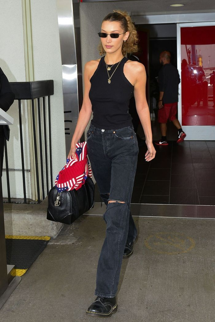 I Secretly Hate It When Celebs Wear These Flattering Shoes to the Airport