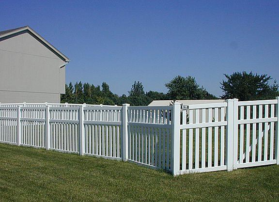 4 Foot Closed Vinyl Picket Fences Vinyl Fencing 3 Rail Closed Picket Outdoor Landscaping Vinyl Fence Vinyl Picket Fence