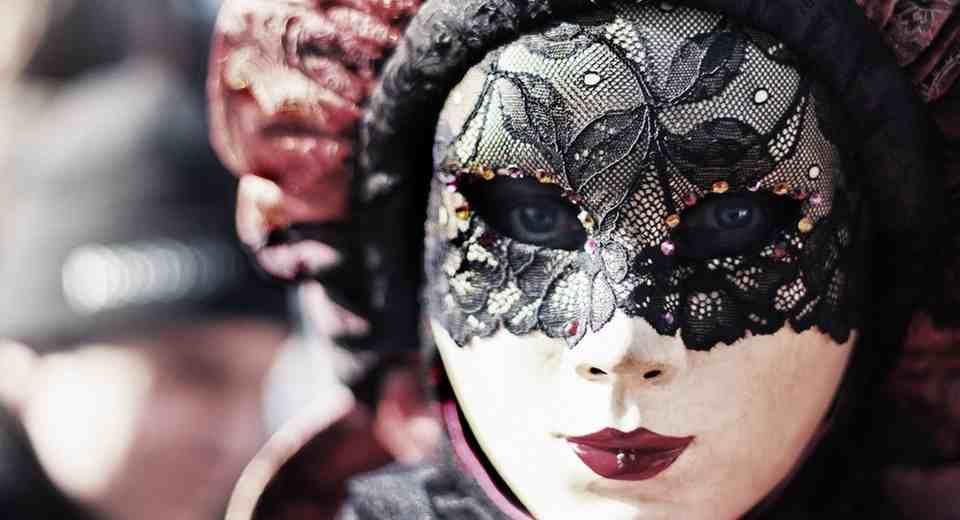 mach 39 s legend r die 10 besten mottoparty themen f r erwachsene grusy mottoparty masken. Black Bedroom Furniture Sets. Home Design Ideas