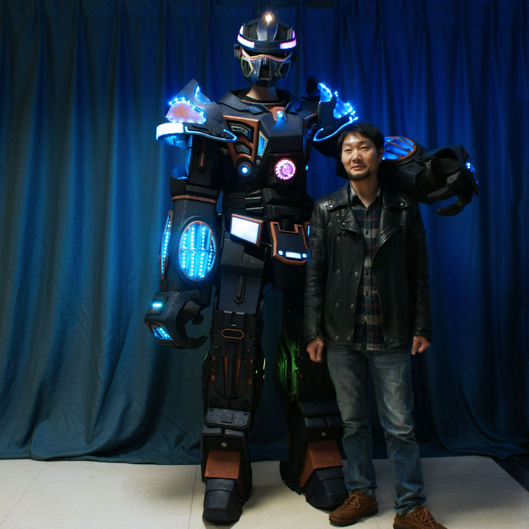 TC-1000 LED Stilt Walker Robot
