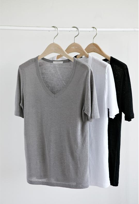 364a3c2032 Camisetas cores neutras decote V.
