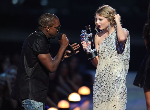 Beyonce Was Crying Backstage After Kanye West Ruined Taylor Swift S Vma Moment Ex Mtv Boss Kanye Interrupts Taylor Taylor Swift Vma Celebrity Feuds