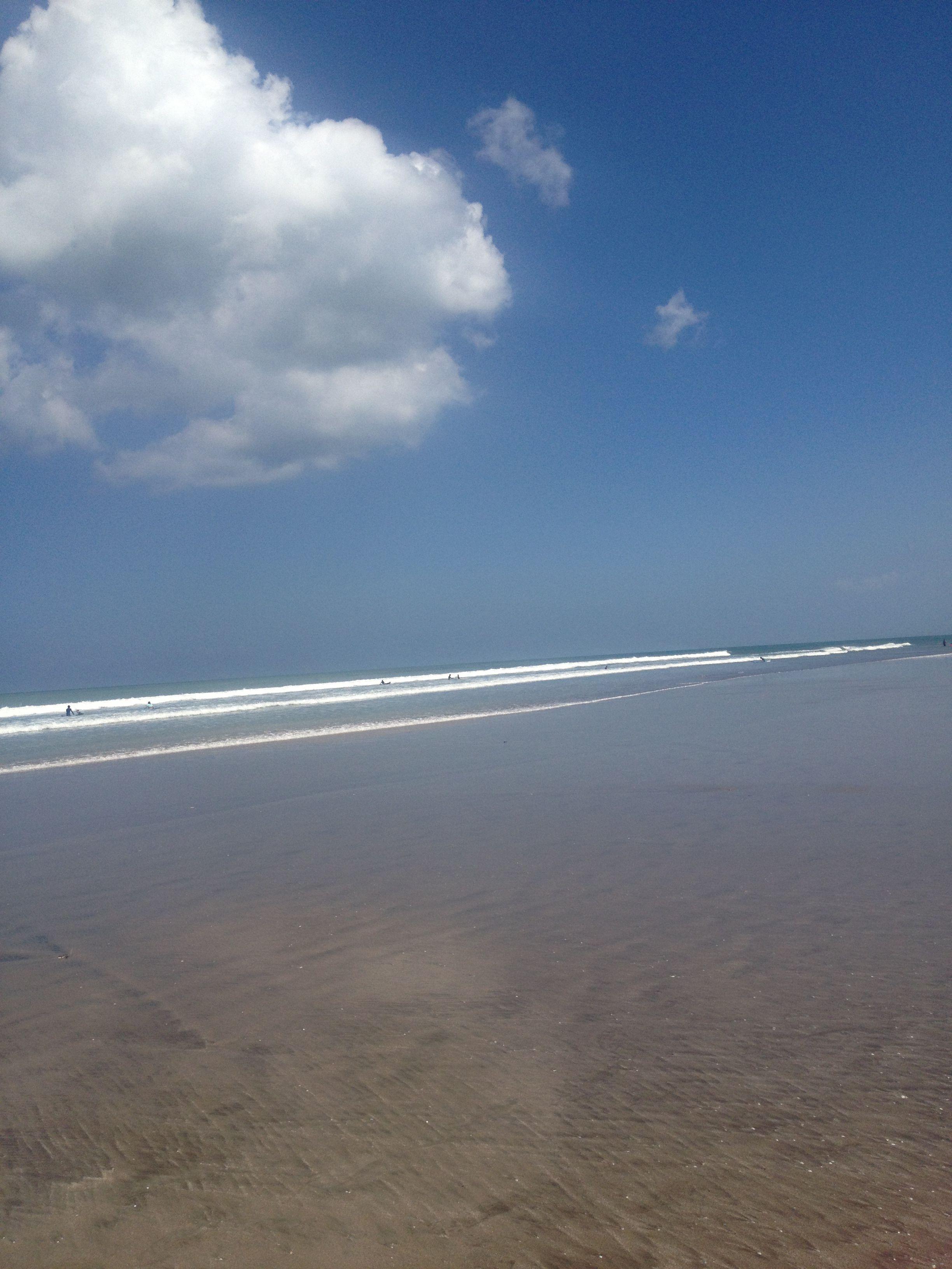 Legian beach // Seminyak, Bali - Photo by: Monica Roenning