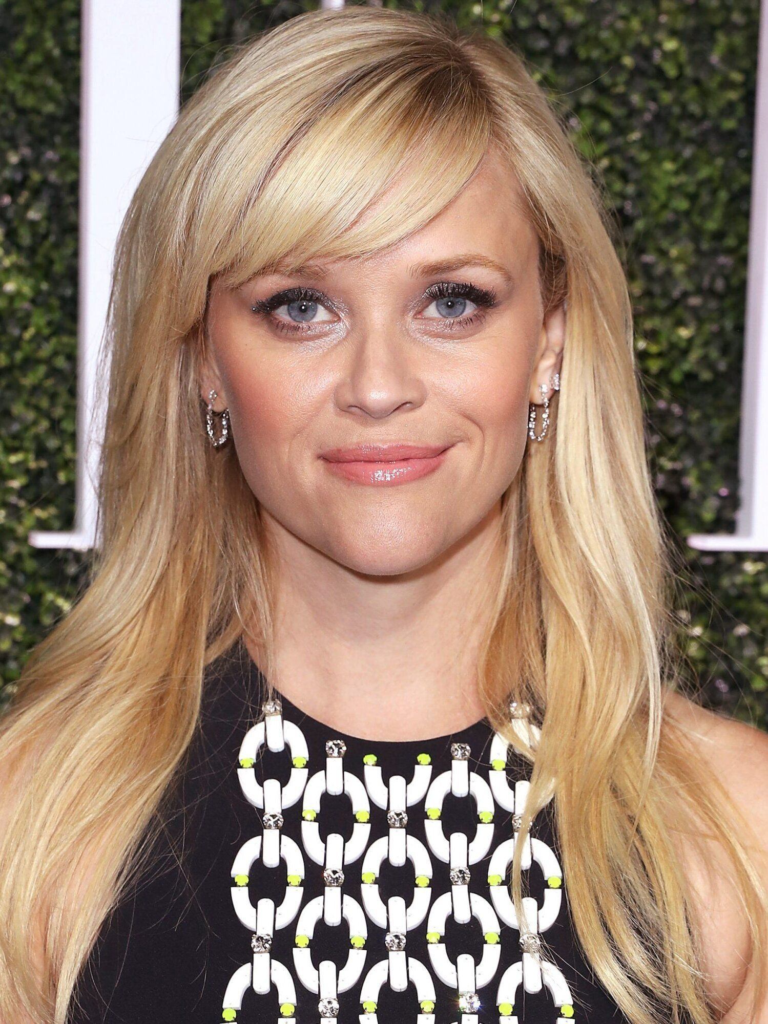 43+ Medium length hairstyles with bangs for heart shaped faces inspirations
