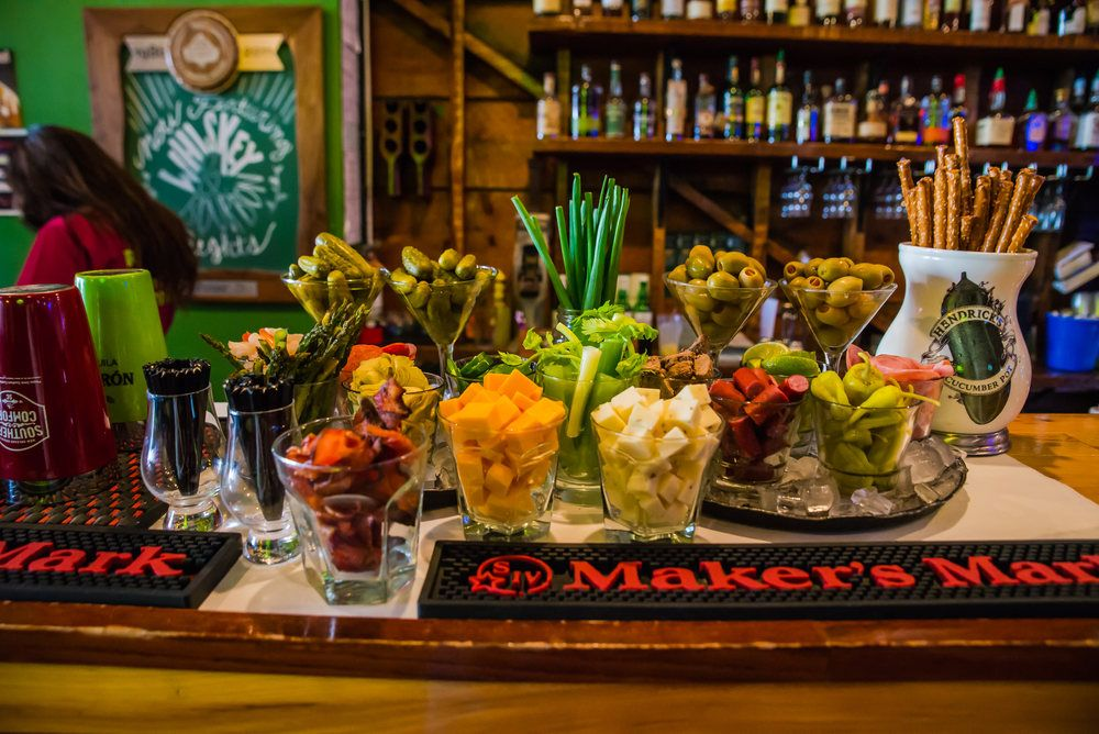 Brunch wedding ideas build your own bloody mary bar brunch brunch wedding ideas build your own bloody mary bar solutioingenieria Image collections