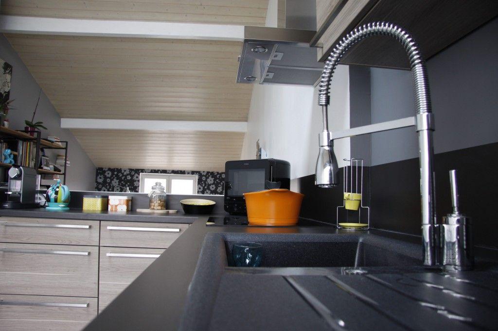 Camille a opté pour une cuisine en L d\u0027environ 25 m sur 15 m