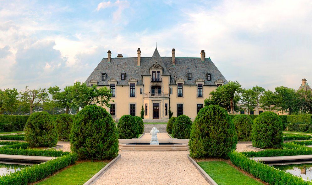 Oheka Castle Huntington New York A Historic Mansion Situated On The Gold Coast Of Long Island Between City And Hamptons