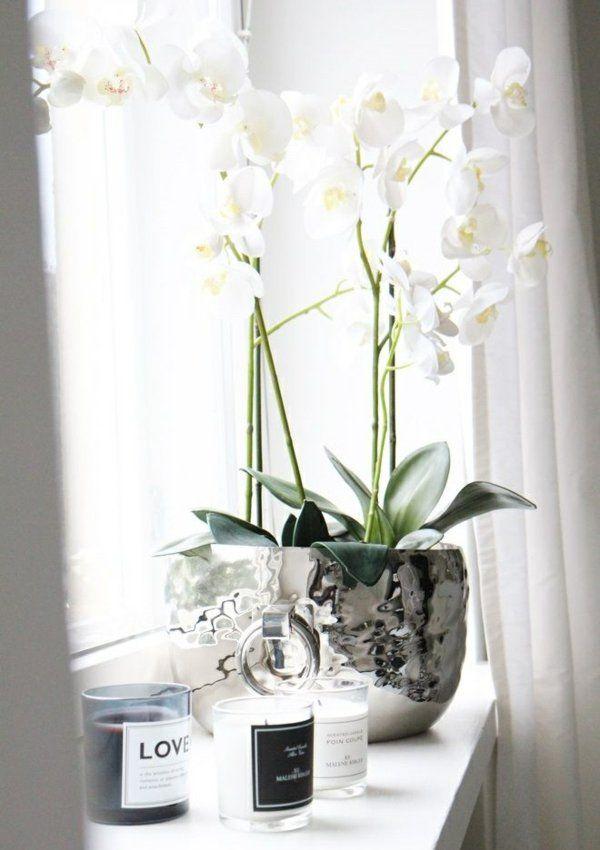 fensterbank deko weiß silber kombination pflanzen Blumen - dekoideen wohnzimmer weis