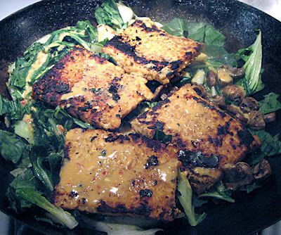 Andrea's Easy Vegan Cooking: Tempeh with mustard sauce,bok choy,mushrooms