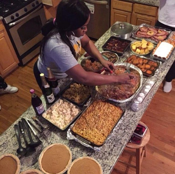 Thanksgiving or Black Friday Eve? – Smoke Signal |Soul Food Family Dinner